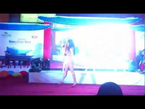 Hoàng Thùy Linh - Rung Động [Nấm & Cuộc Sống Event - BigC Thăng Long 18/11/2012]