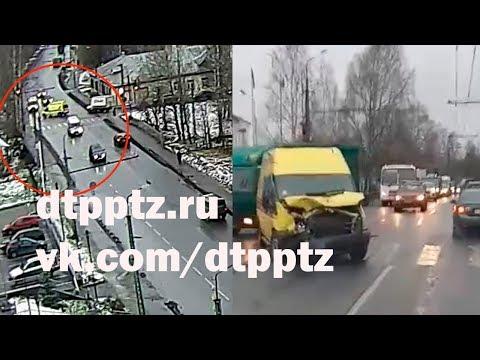 На улице Кирова в лобовую столкнулись автомобиль Скорой помощи и фургон
