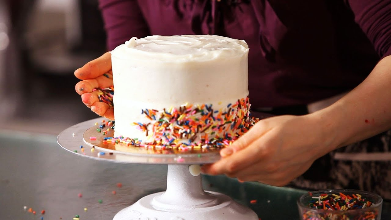 Easy Cake Decorating With Sprinkles : How to Decorate a Cake with Sprinkles Cake Decorating ...