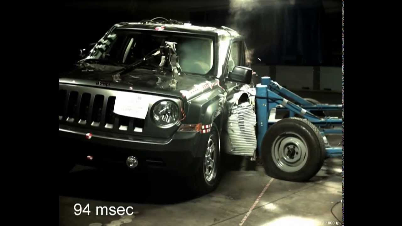 2014 Jeep Patriot Suv Barrier Crash Test Youtube