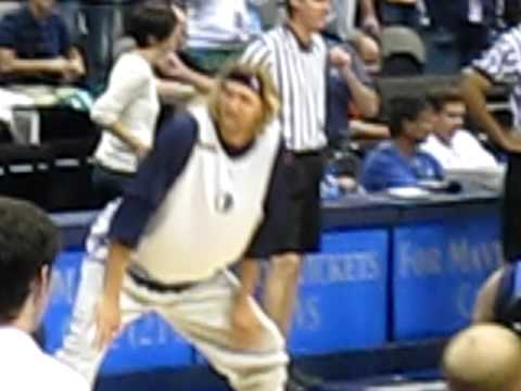 DALLAS MAVERICKS FAN JAM 2009 pt. 2