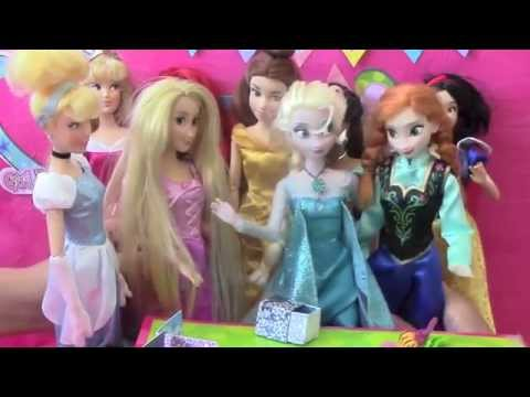 Elsa Birthday Party ft Disney Princess Dolls - Full English Mini Movie - Frozen Toys Parody