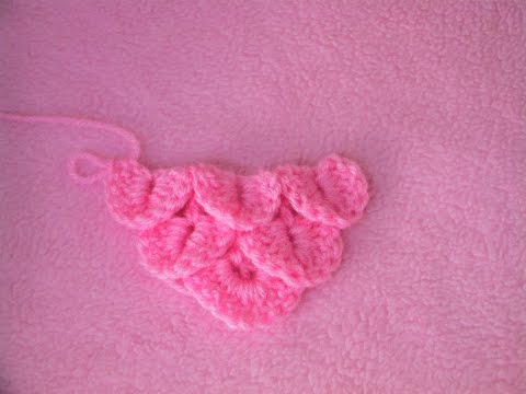 Πλεξη Κροκοδειλος σε Τριγωνο/ Crocodile Stitch in a Triangle Crochet Tutorial