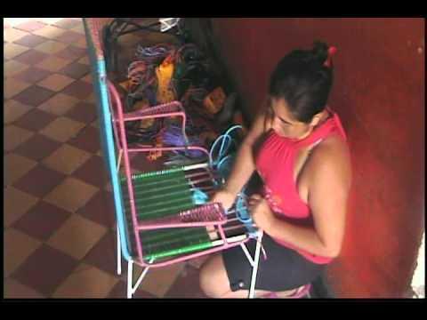 Elaboraci n de sillas en hierro con hilos de pl stico - Sillas de hierro ...