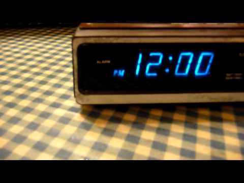Kitchen Table Electronics Repair: The Micronta Clock Restoration