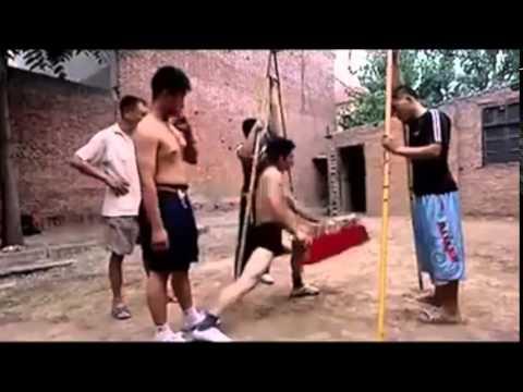 Ezek a kínaiak herére gyúrnak keményen