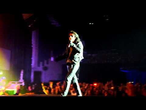 Alice Cooper - Poison (Live - The O2, Dublin Ireland, June 2011) [HD]