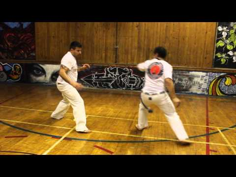 Capoeira Muzenza 20 quedas under 2 minutes