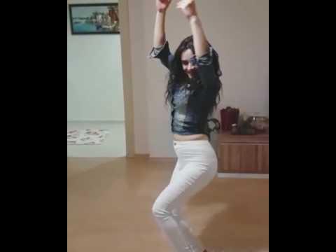 Naz Mila Kalça Dansı -Zuhal Topal Naz