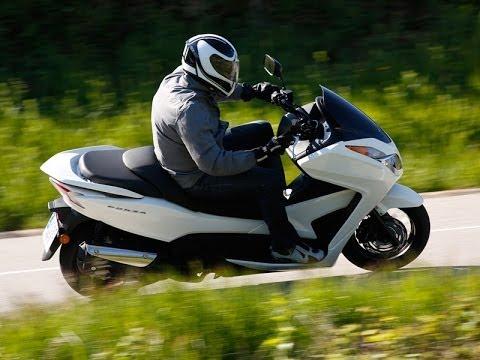 Presentación Honda Forza 300 2013