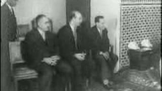 فيديو حي و حقيقي: رئيس الجزائر يُقبل يد الملك  