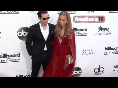 Jennifer Lopez and Casper Smart arrive at 2014 Billboard Music Awards Redcarpet