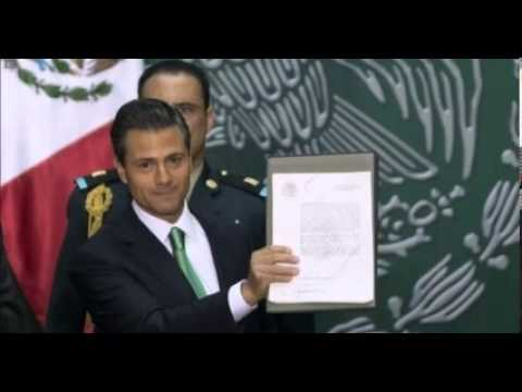 Mexican President Nieto Signs Controversial Energy Law
