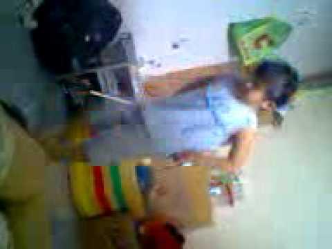 Bé gái 5 tuổi nhảy Nonstop Video0018.3gp