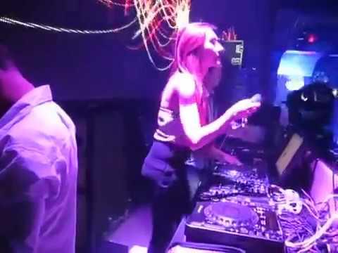 DJ Nhy Live Mix - Người Đẹp - http://fb.com/DJKelpon