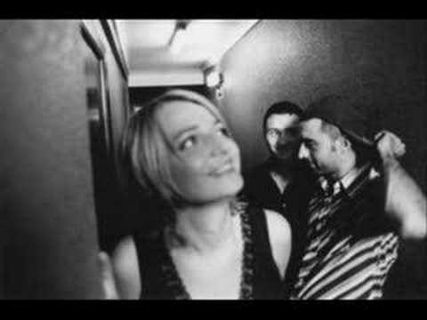 Miniatura del vídeo Autour de Lucie - Je Reviens