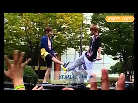 Luhan & Xiumin 3.6.5 moment