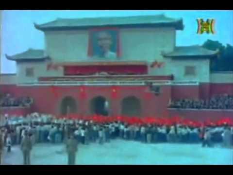 Duyệt binh hoàng tráng mừng chủ tịch Hồ Chí Minh về Hà Nội 1955