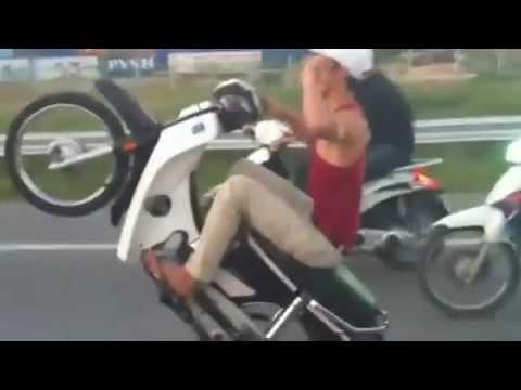 thamtutamlong.com phát hiện đoạn clip bốc đầu xe trên đại lộ thăng long.flv