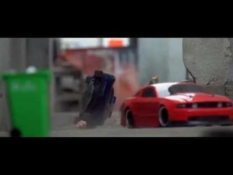 !PERSECUCION A AUTOS DE CARRERAS IMPRESIONANTE! HD 2012