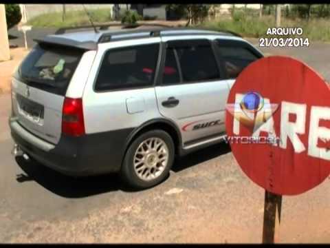 Secretaria de Trânsito substitui placa de Pare colocada por cidadão no Umuarama