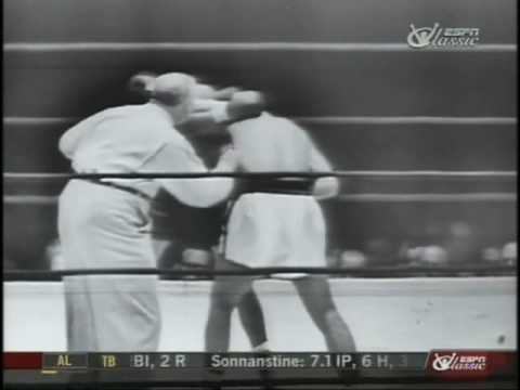 Rocky Marciano vs Archie Moore - Sept. 21, 1955 - Round 1 &amp; 2