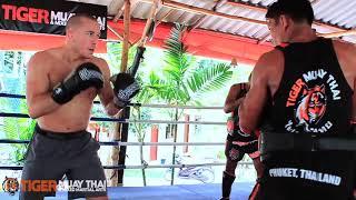 Hao123-UFC Welterweight Champion Georges St-Pierre (GSP) Trains @ Tiger Muay Thai & MMA