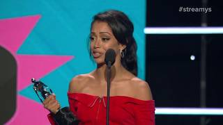Jenna Marbles and Eva Gutowski Present the Comedy Award to Liza Koshy - Streamy Awards 2017
