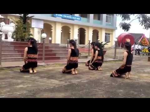 Múa Chiều Lên Bản Thượng lớp 11A2 - THPT  Phạm Văn Đồng - ĐăkNông