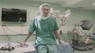 V Europe bude operovať robot a vy môžete byť pri tom