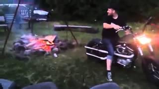 [Vui] Cách nhóm lửa đi phượt hay nhất mà tôi từng xem :)