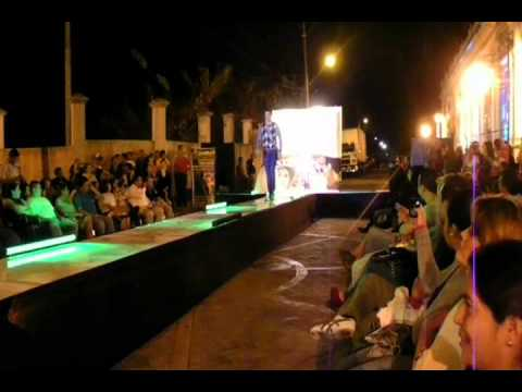GIVENCHY SANTA TECLA MODA CON AUDIO.wmv
