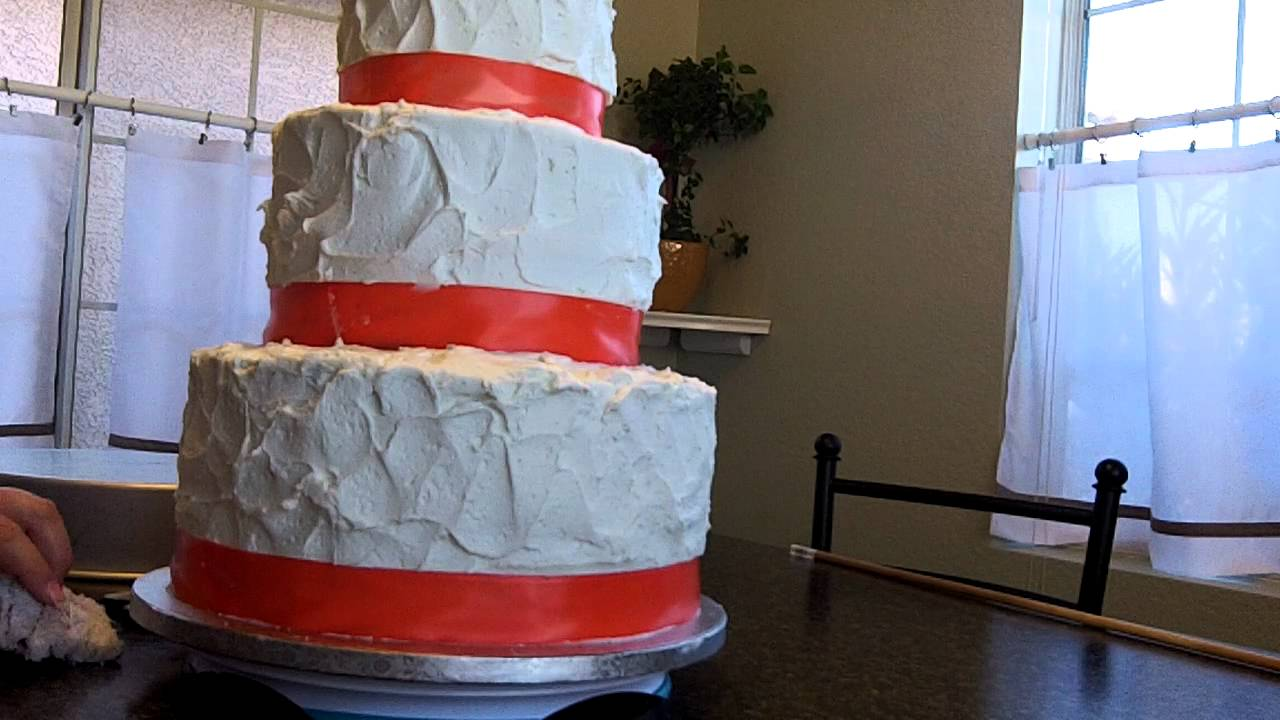 How To Make A Wedding Cake Learn How To Level Fill Stack And Frost Part 3 At Hollysbakery