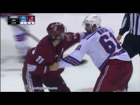 Rick Nash vs Martin Hanzal Oct 3, 2013