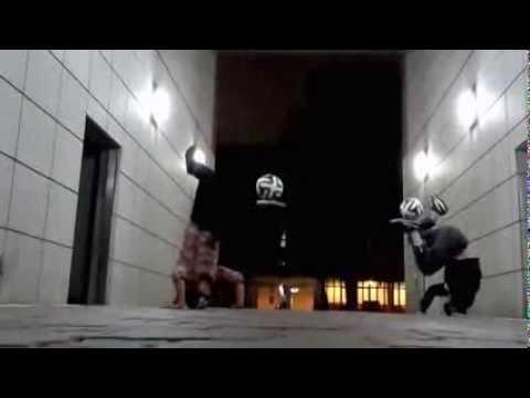http://www.bolalob.com/bolalobtv/berita-kelompok-freestyler-jepang-rilis-video-sambut-2014-27473