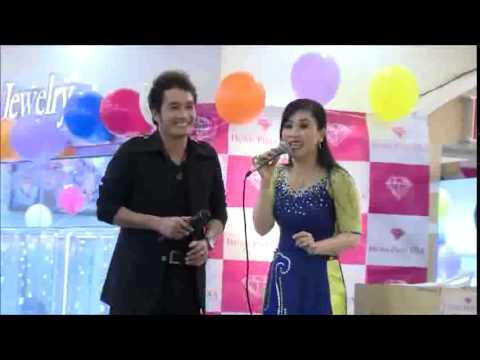 Hài Kịch Kiều Oanh, Lê Tín   Anniversary 2013   YouTube00h11m41s 00h12m47s