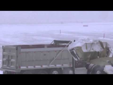 Raw Video today 3.3.2014  Snowstorm Shuts Down DC Washington