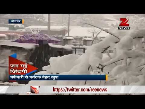 Heavy snowfall sweeps Shimla, Srinagar