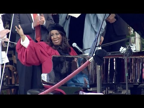 Aretha Franklin sings National Anthem at Harvard Commencement 2014