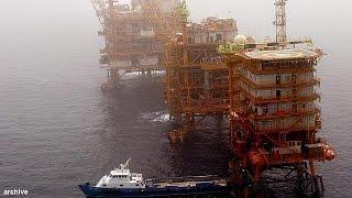 إيران تقرر العودة إلى سوق النفط بزيادة اإنتاجها بـ: 500 ألف برميل يوميا |