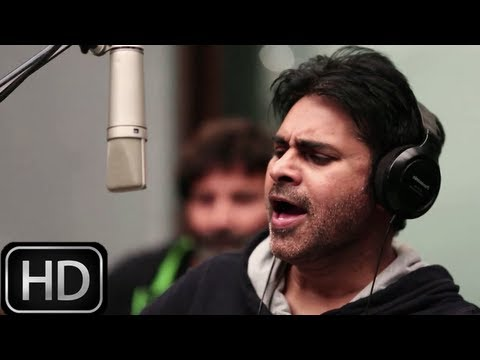 Power Star Pawan Kalyan singing Kaatam Rayuda Song - Attarintiki Daredi song making