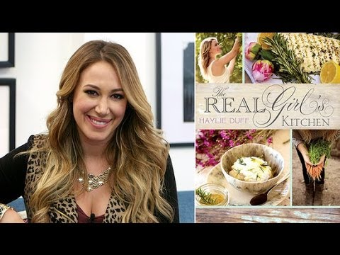 Haylie Duff Tried Out Her Recipes on Sister Hilary and Nephew Luca | POPSUGAR Interview