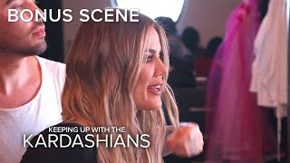 "KUWTK | Khloé Kardashian Says Kourtney Has ""No Game"" With Men 