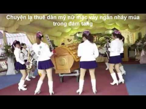 Chuyện lạ thuê dàn mỹ nữ mặc váy ngắn nhảy múa trong đám tang
