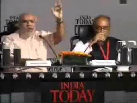 Angry Narendra Modi and Digvijay Singh fight (