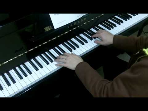 Trinity Guildhall Piano 2012-2014 Grade 1 No.2 Mozart Menuett in F from Notebook for Nannerl