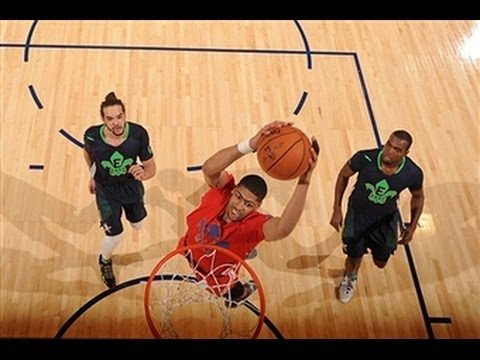 Anthony Davis Drops a Duo of Nice Alley-Oop Finishes