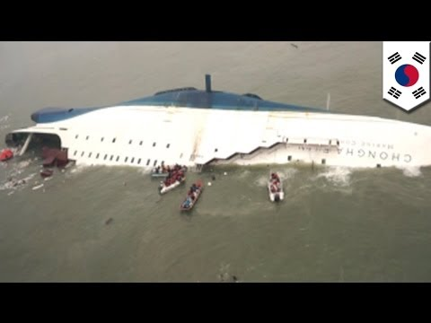 South Korean ferry disaster: Hundreds still missing in Sewol sinking