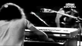 † Czeslaw Niemen Band - Strange Is This World - Live In Helsinki (1973) 4/4 view on youtube.com tube online.
