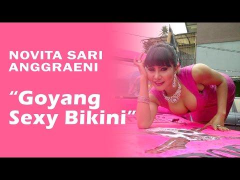 Novita Sari Anggraeni (Mama Abdel) - Goyang Sexy Bikini